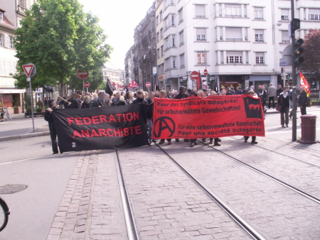 Photo 1er mai 2008 manifestation cortège anarchiste libertaire